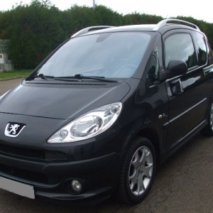 Peugeot 1007 black&silver 1.6hdi 110ch